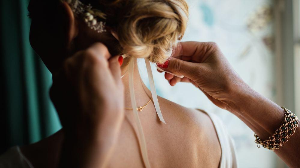 Conheça quais são as tendências de penteados para as noivas em 2018 e faça a escolha certa para o seu grande dia!