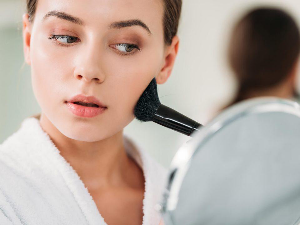Preparamos este post para você entender qual a diferença entre o fixador de maquiagem e o primer