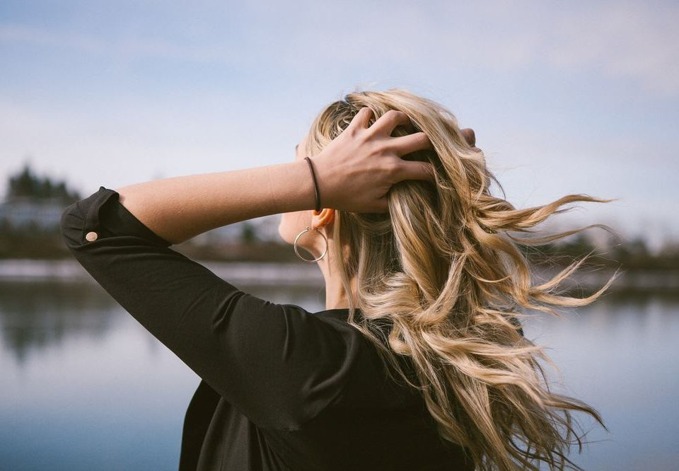 Você sabe como manter o cabelo hidratado? Descubra com nossas dicas!