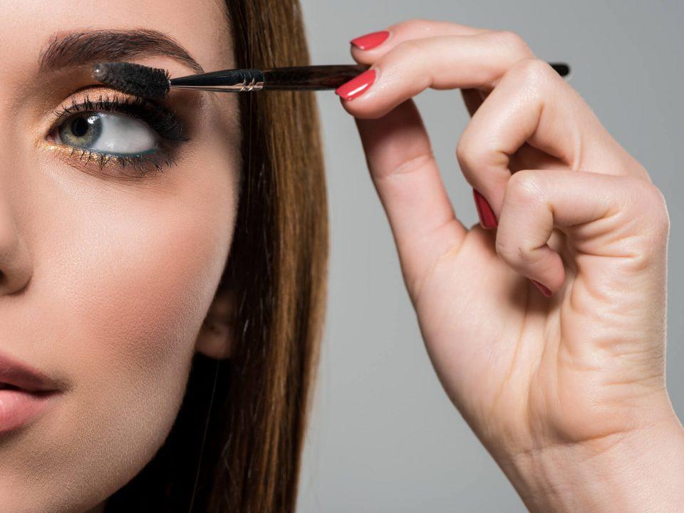 Você não sabe o que fazer na maquiagem para festas de final de ano? Então confira as nossas dicas!